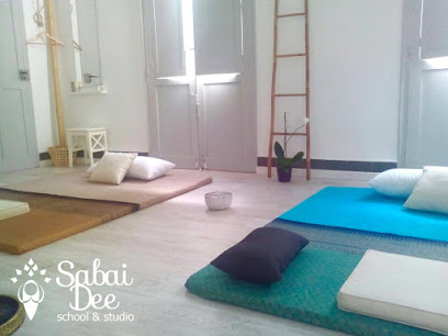Sabai Dee School & Studio