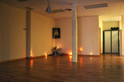 SAT NAM YOGA ALICANTE – Escuela Especializada en Yoga, Meditación y Terapias Naturales